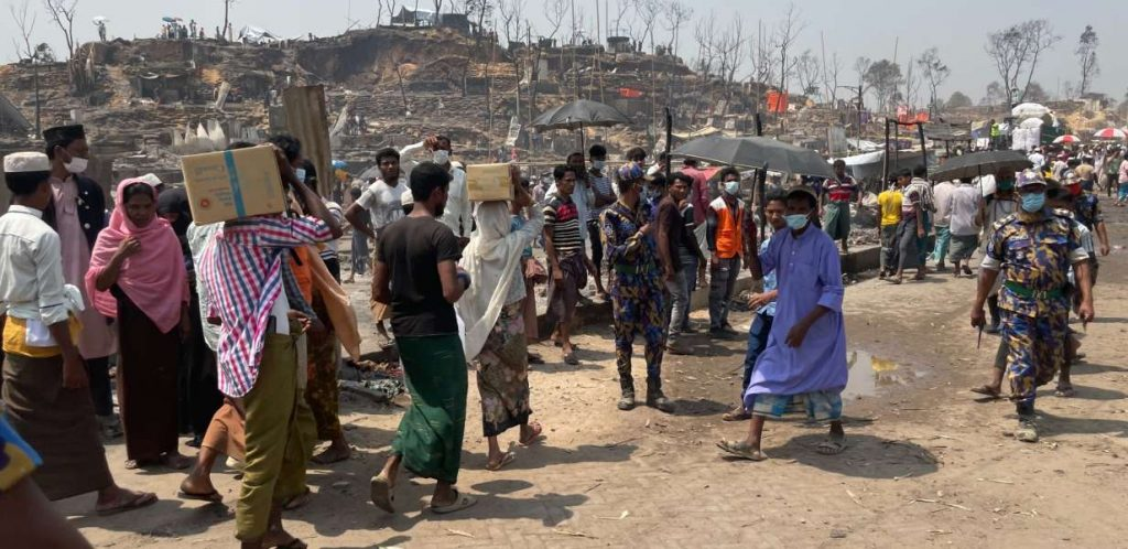Bangladesh: Un incendio masivo dejó sin alojamiento a 45 mil personas rohingyas refugiadas